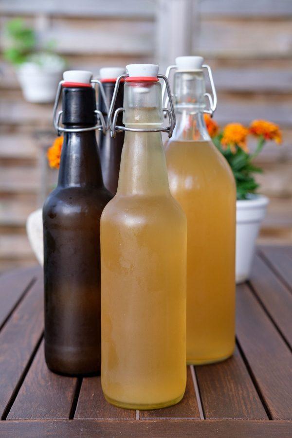 Hyldeblomstsaft på flaske