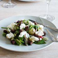 Lun salat med kartofler, asparges og radiser