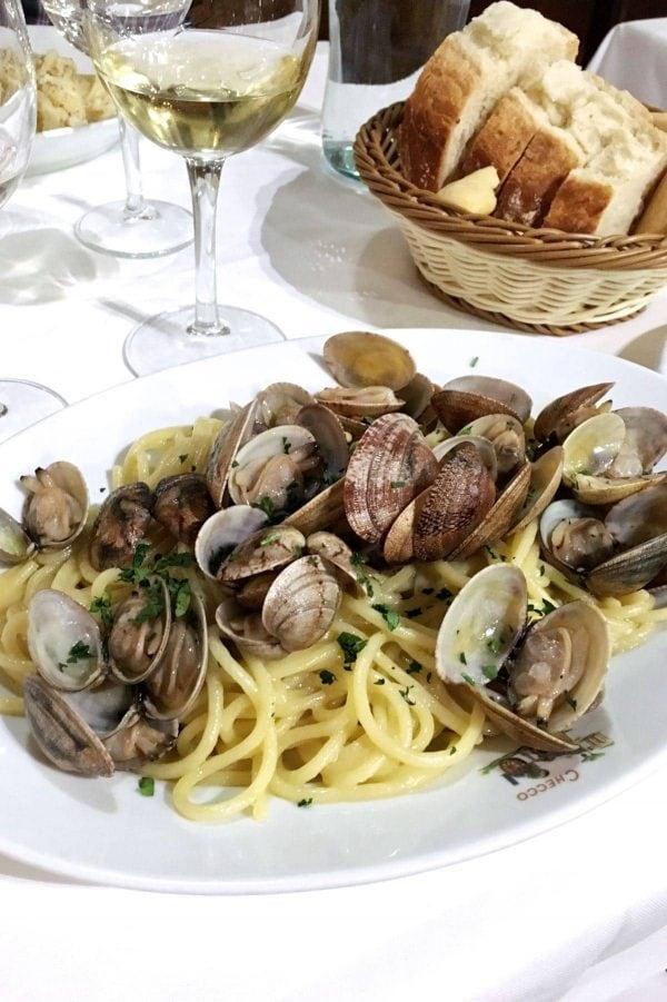 Ferie i Rom, Spaghetti Vongole, Checco Er Carettiere