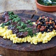 Grillede nyretapper med chimichurri og cremede majs