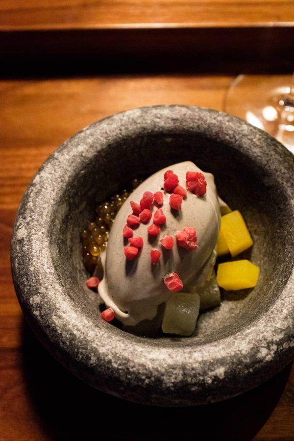 Sabi Omakase i Stavanger, sort sesam, dessert