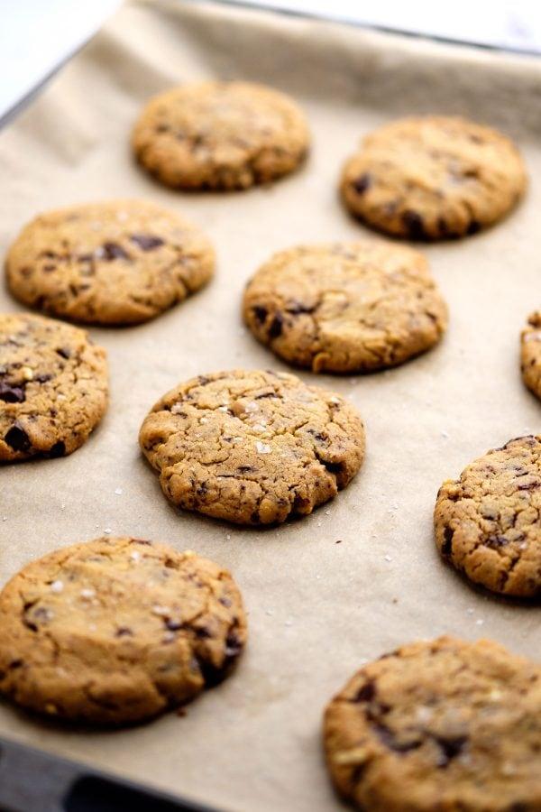 Friskbagte peanutbutter cookies