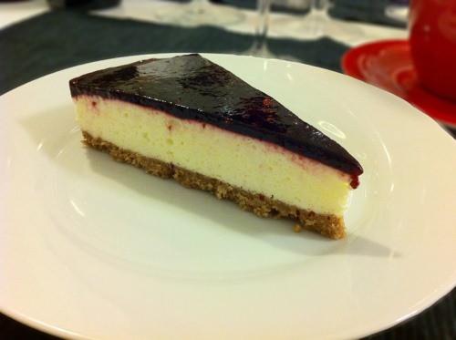 Cheesecake med brombærpuré