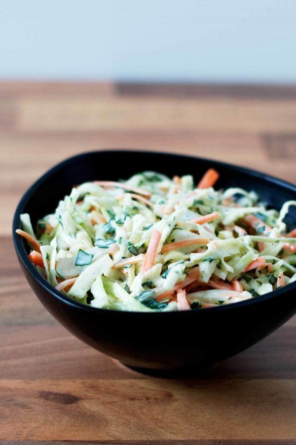 Opskrift på coleslaw med fennikel og persille