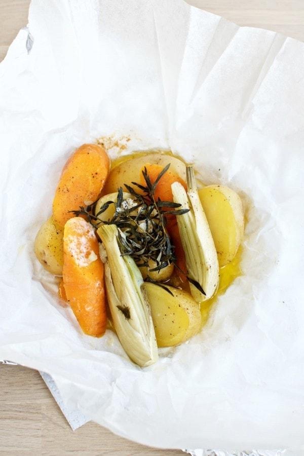 Nørregårdskassen fra Aarstiderne og bagte grøntsagspakker