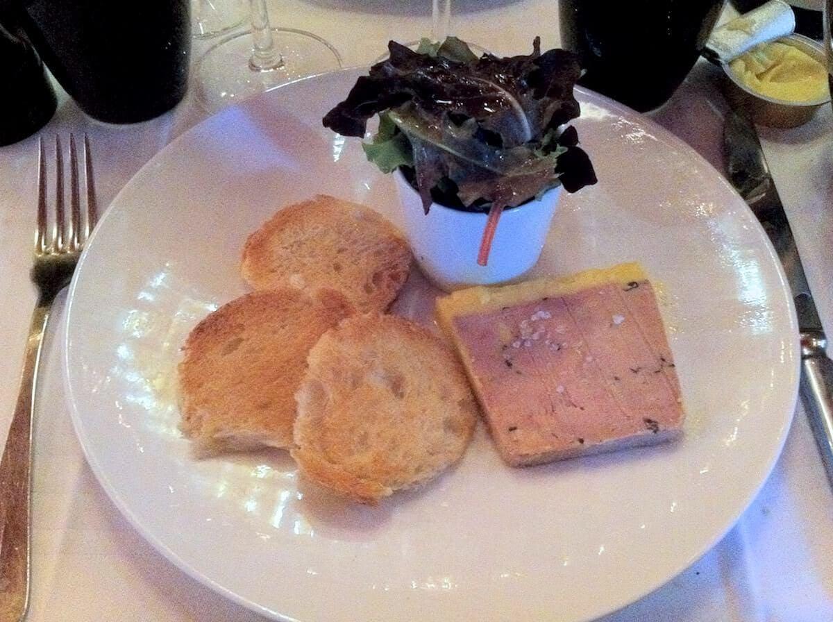 klassisk fransk bistromad i Paris - Foie Gras Terrine