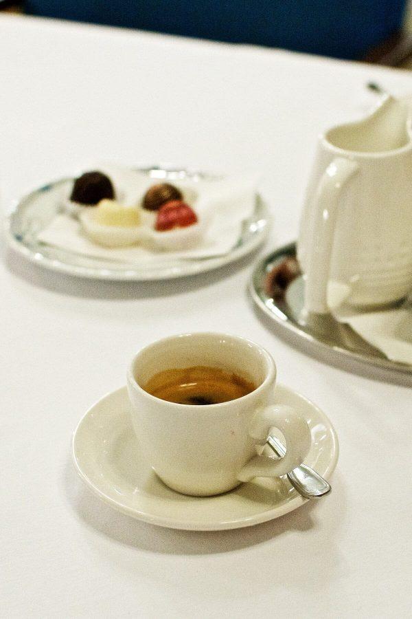 Sarah Bernhardt i Prag - Tjekkisk mad - Kaffe og petit fours