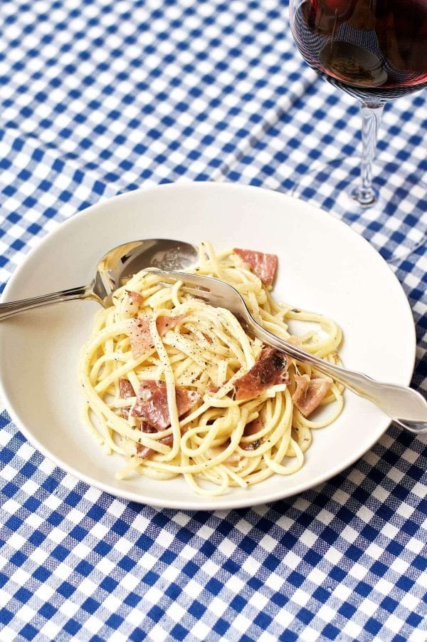 Spaghetti med parmaskinke og hvidløg